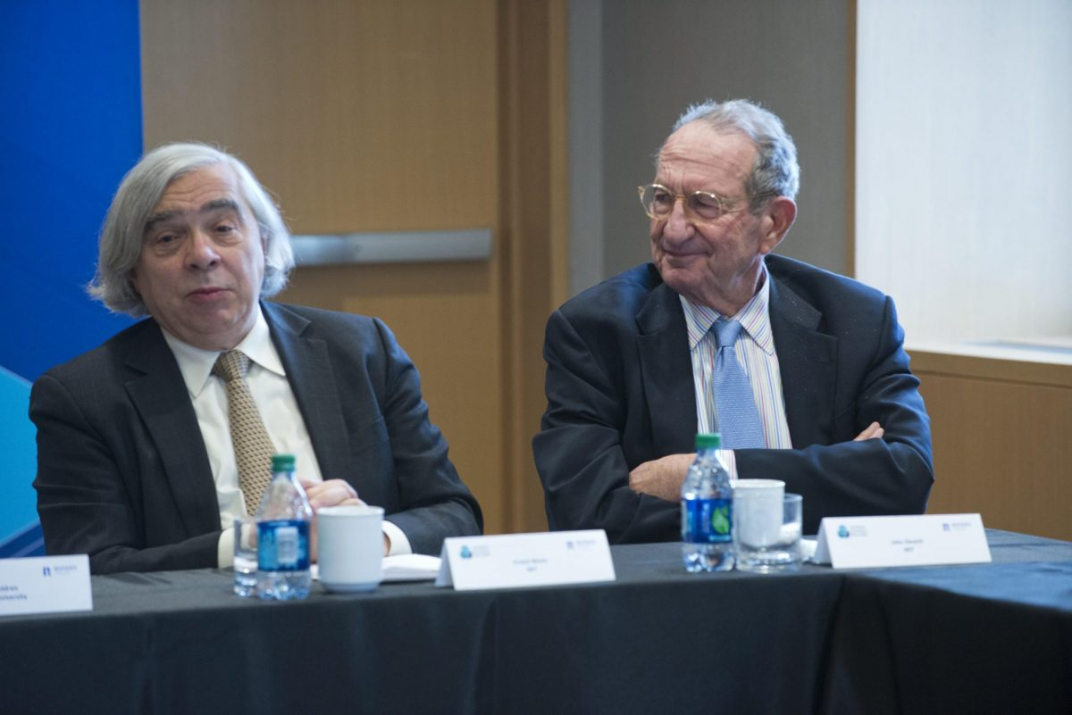 The Global Meeting included leading experts with years of experience in science and policy making, which they shared with our Fellows. Here Prof Ernest Moniz, former US Secretary of Energy, shares a panel with former CIA Director, Prof John Deutch.