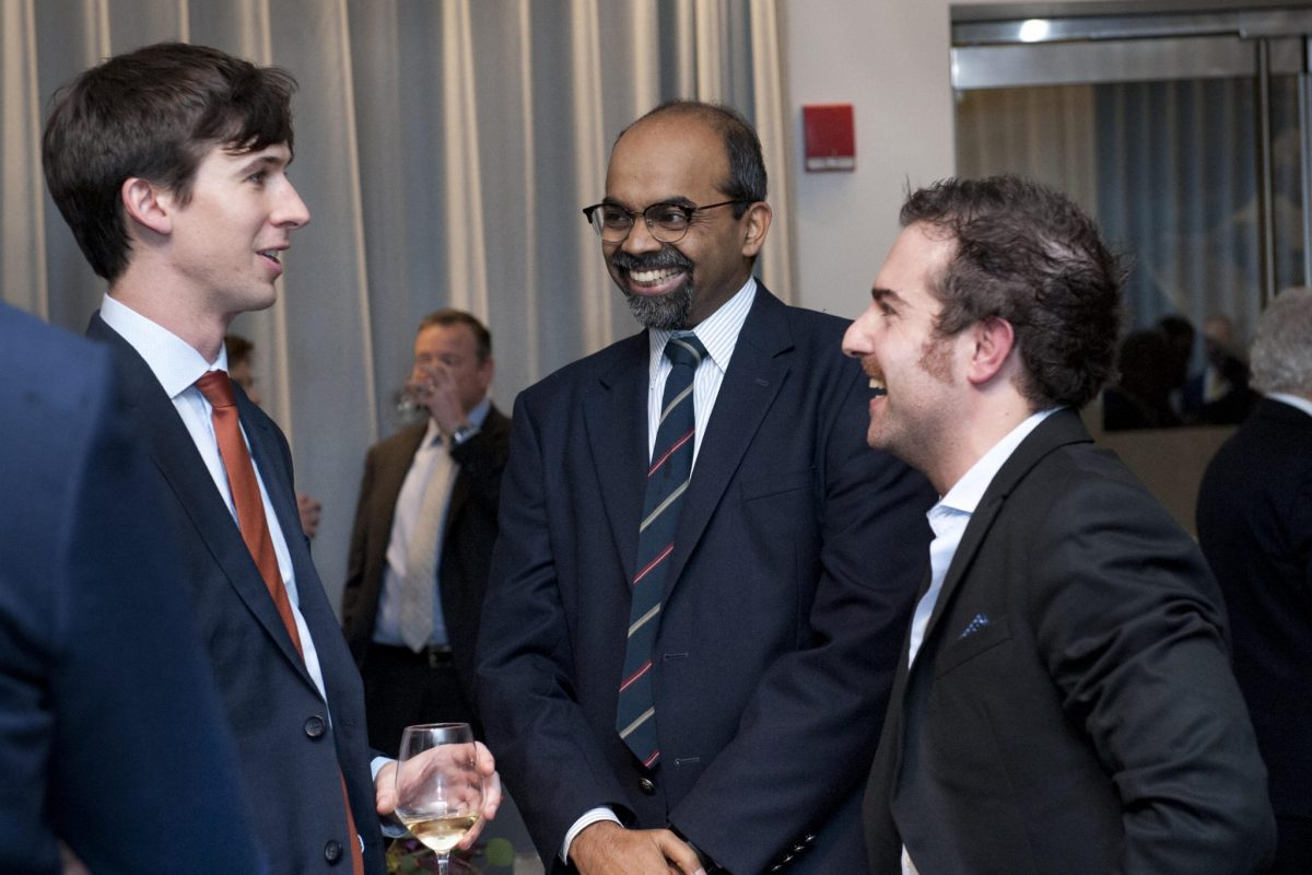 A number of 2018 Schmidt Science Fellows are on placement in the Boston and Cambridge area. This meant their PIs were able to join events, including the Global Meeting closing dinner. Here, Fellows Dr Ryan Truby and Dr Mattia Serra are in conversation with Mattia's PI, Prof L. Mahadevan.